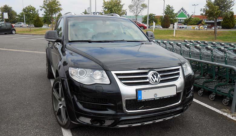 Volkswagen-Tourareg-W12-(2005)