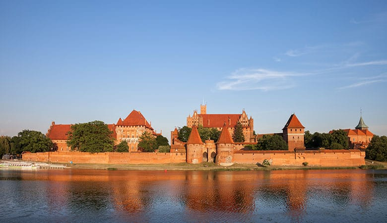 Malbork-Castle-weight