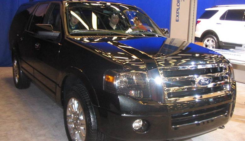 Ford-Expedition-XLT-MAX-heavy-SUV
