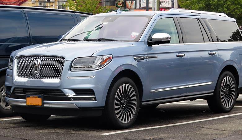Lincoln-Navigator-L-heavy-SUV