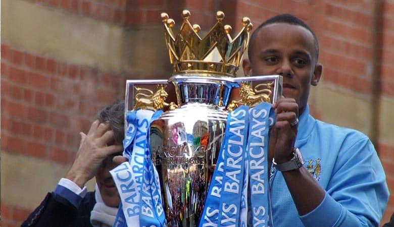 Premier-League-Championship-Trophy-weight-heavy