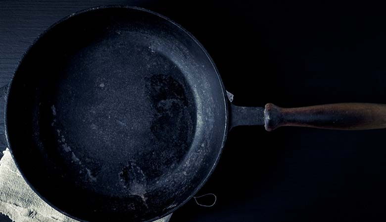 iron-cast-pan-8-pounds