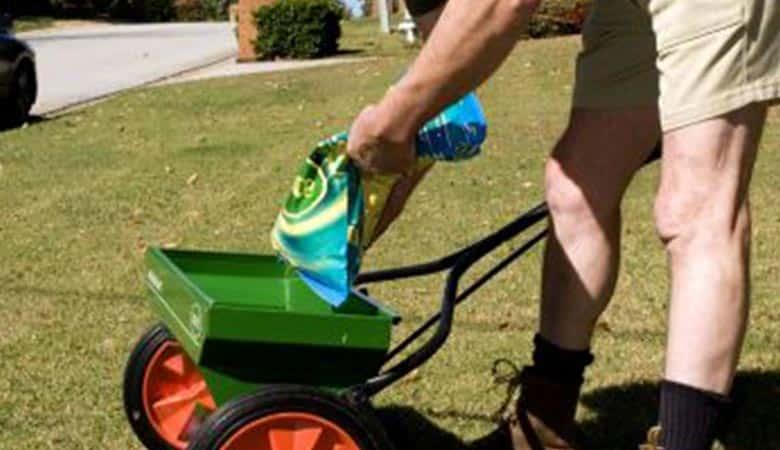 Lawn-fertilizer-bag-40-pounds